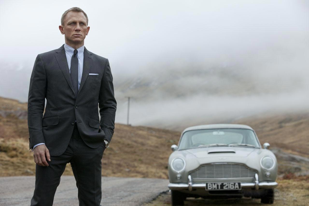 Daniel Craig in a Bespoke Suit