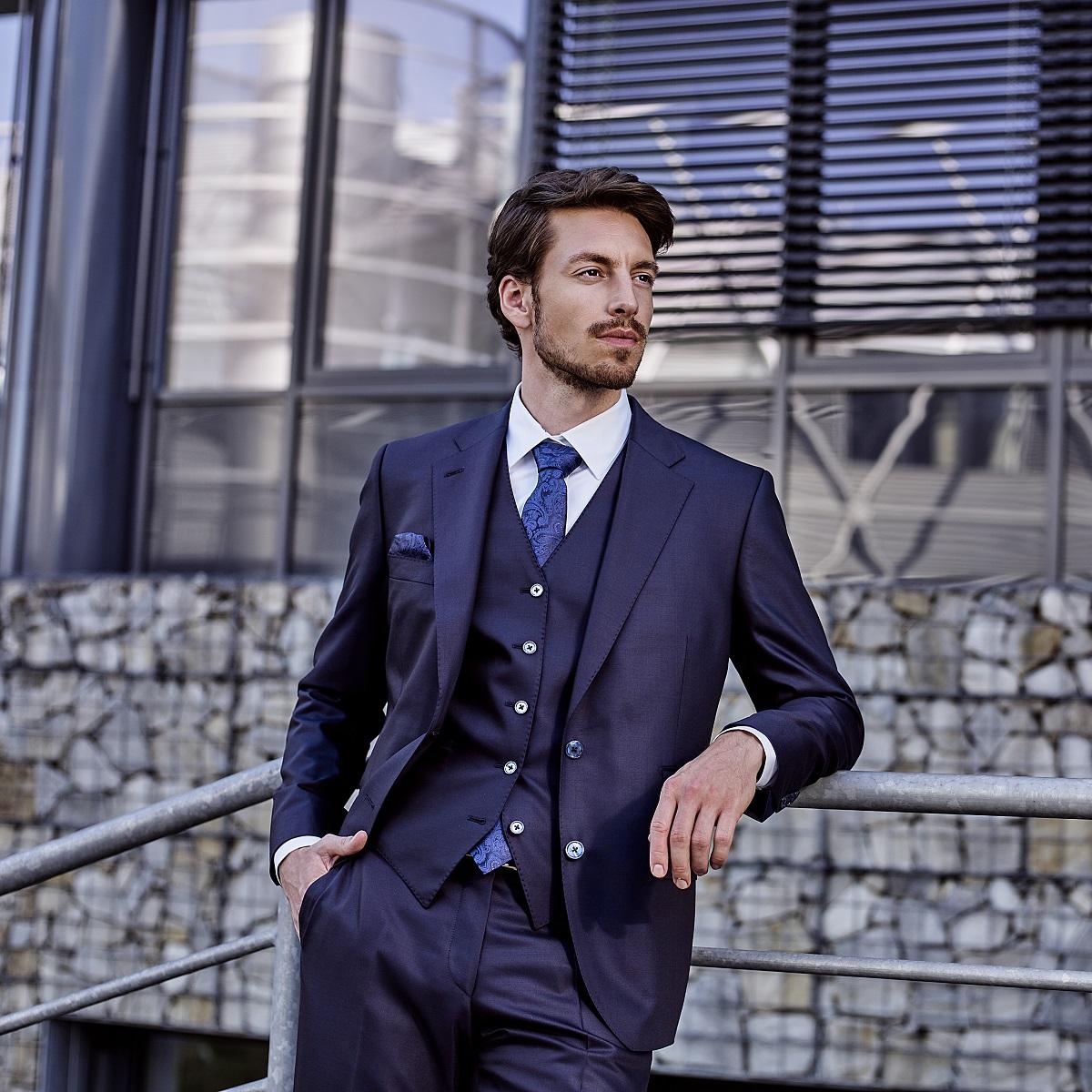 Mens Bespoke suit