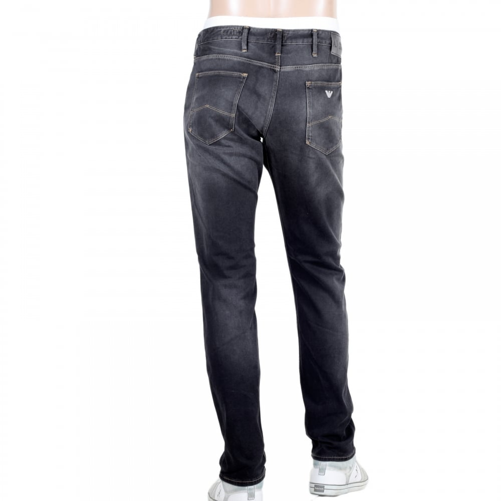 Men's Stretch Slim Jeans If figure-hugging jeans aren't your thing, our stretch slim is the fit for you. Made from heavyweight stretch denim these jeans have more room in the thighs and down the leg than our tighter fits and finish in a tapered hem.