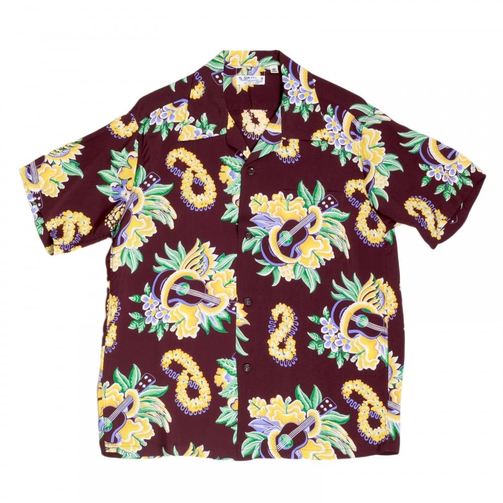 e42a7678d827 ... SUN SURF Mens Regular Fit Short Sleeve Wine Coloured SS37453 Hawaiian  Shirt with Macintosh Ukulele Print ...